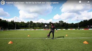 Bal stil op de voet - freestyle voetbal trucje