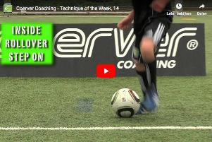 Naar binnen rollen + stop - Coerver voetbaltraining