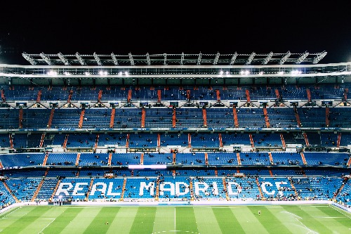 Ronaldo schiet Real Madrid verder