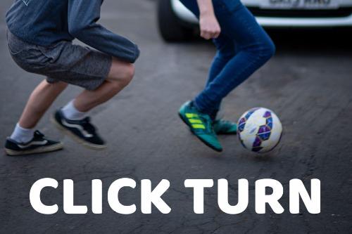 click-turn-beweging-straat-voetbal-trucje