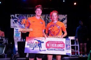 Jesse Marlet en Laura Dekker - NK Freestyle voetbal