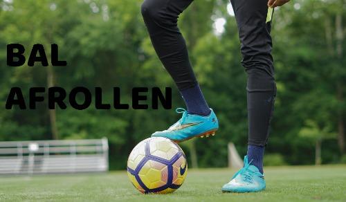 bal-afrollen-voetbal-straat-trucje